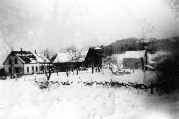 The Greenwood farm in Bath, New Hampshire.  Source: Lorie's family photos